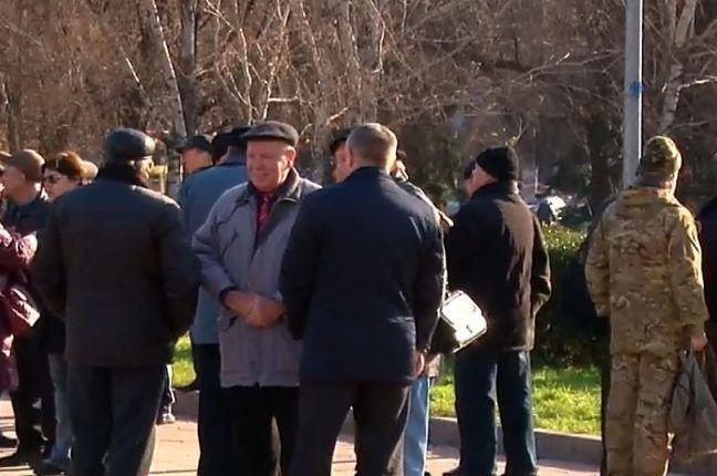 Одесские военные пенсионеры вышли на митинг (видео)