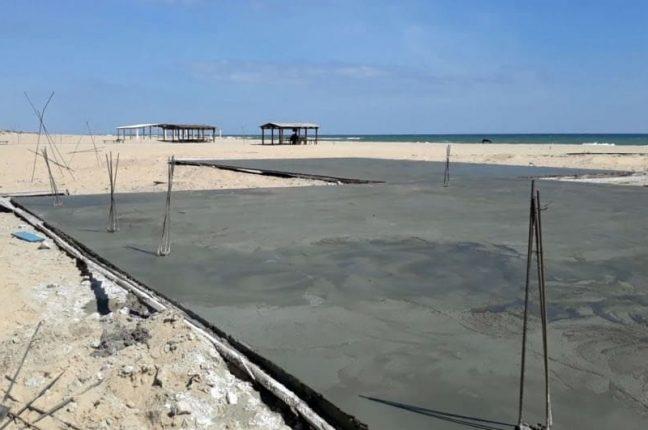 Пляж в Затоке залили бетоном
