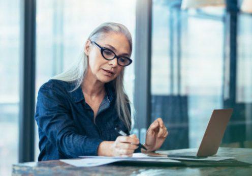 Работодателей ждут проблемы из-за эйджизма: половина соискателей на рынке – старше сорока лет
