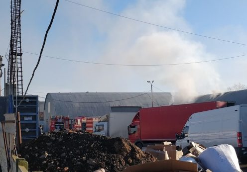 Под Одессой в районе рынка «7 км» горели склады