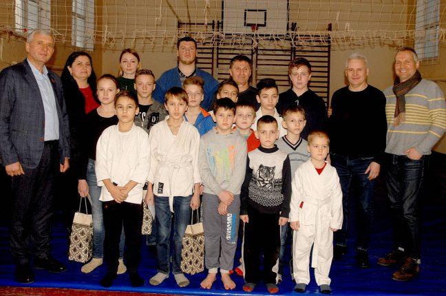 Переселенец из Донбасса воспитывает юных чемпионов в Одесской области