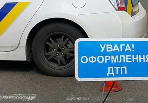 В Одессе автомобиль врезался в дерево — водитель не выжил
