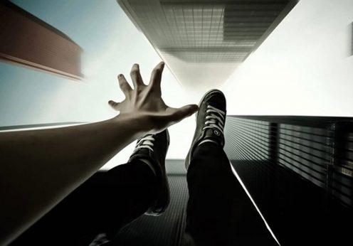 Одесса: в сети появилось видео прыжка мужчины с 20 этажа
