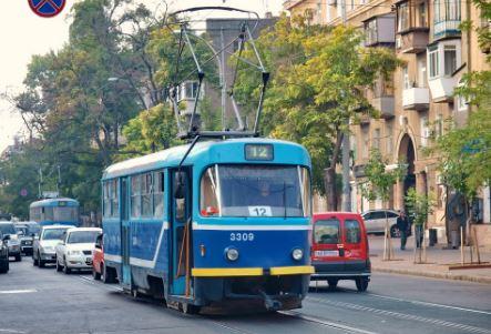 12 трамвай