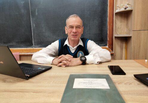 Павел Виктор учитель физики Одесса